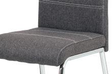 Jídelní židle, potah šedá látka, bílé prošití, kovová čtyřnohá chromovaná podnož, HC-485 GREY2